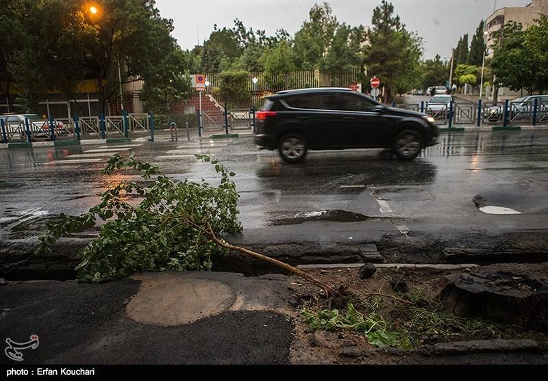 """""""طوفان بعد از ظهری"""" تا ساعاتی دیگر به تهران می رسد"""
