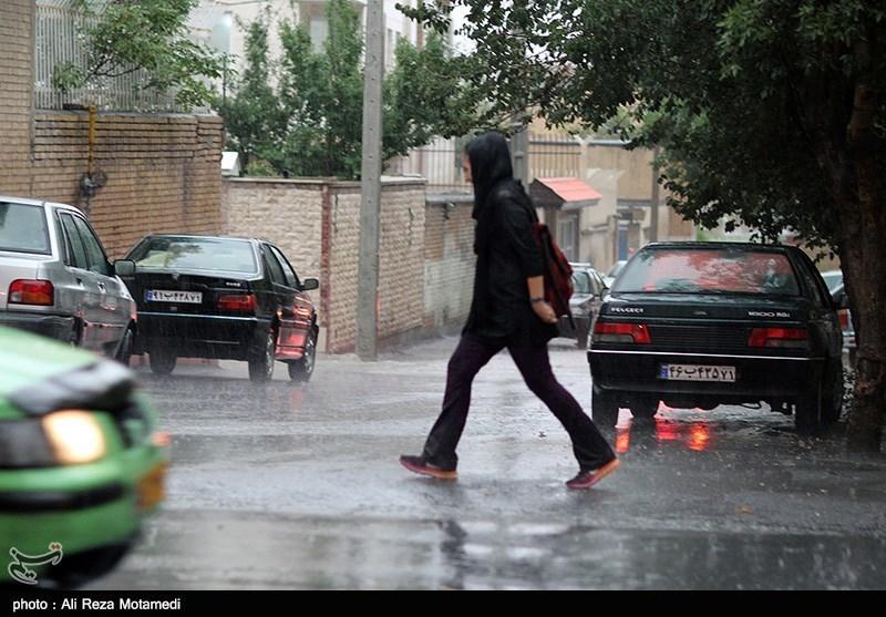 بارش رگبار باران در 7 استان کشور/احتمال سیلاب در مناطق کوهپایهای