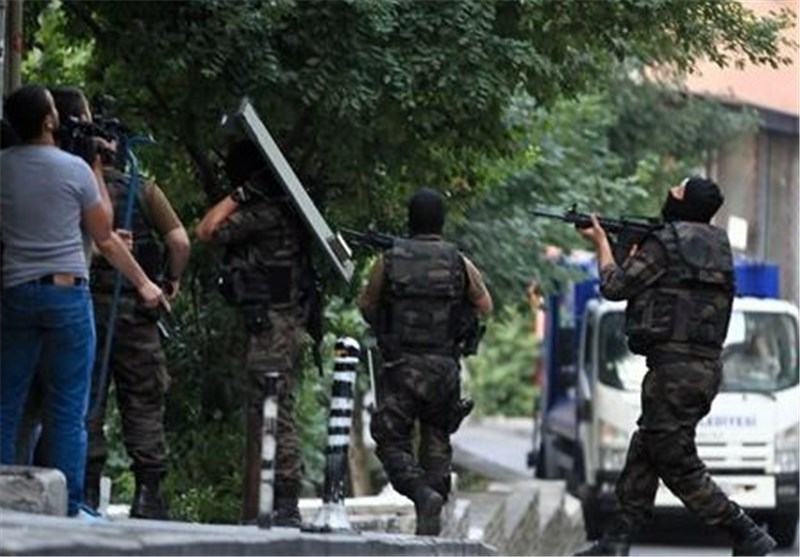 Turkish Police Detain 251 in Raids Targeting Members of ISIL, PKK