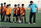 رشد بیرویه تعداد مدارس فوتبال در اصفهان/در پرورش بازیکن راه را گم کردهایم