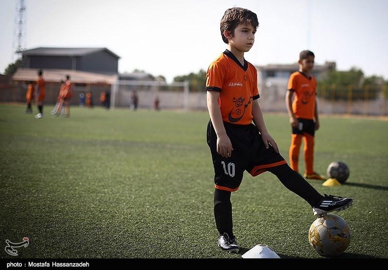 خانواده ها از ثبتنام فرزندان خود در مدارس فوتبال بدون مجوز پرهیز کنند