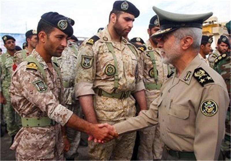"اللواء صالحی یزور قواعد الصواریخ والرادارات فی ""مکران"""