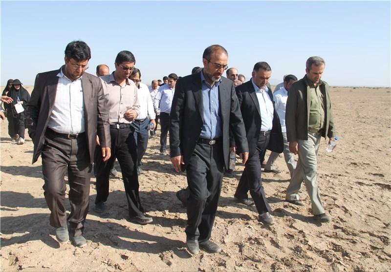 بحران زیستمحیطی در دریاچه نمک قم به شورای عالی آب ارائه میشود
