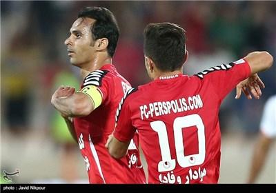 هادی نوروزی زننده گل دوم تیم فوتبال پرسپولیس در نیمه اول بازی