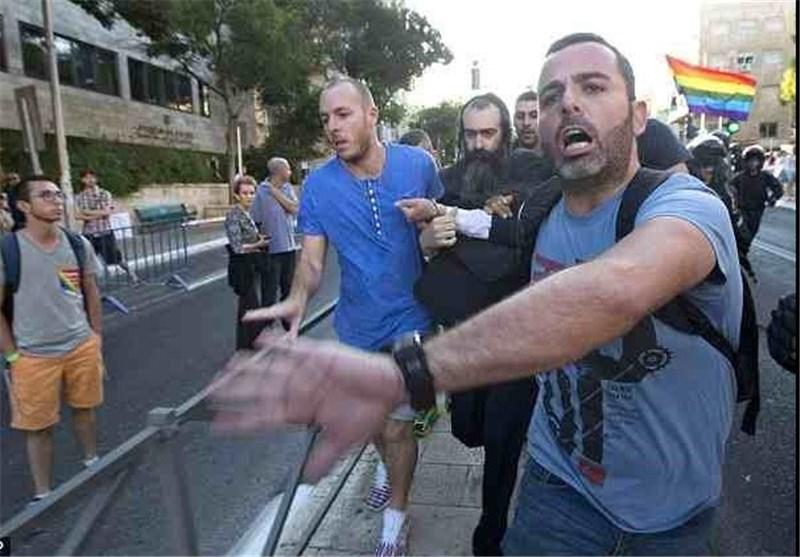 آلاف یتظاهرون فی الکیان الصهیونی بعد هجوم على المثلیین