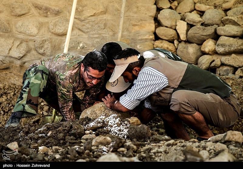 اردوی جهادی بسیج سازندگی جهت بازسازی روستای سیجان - البرز(2)