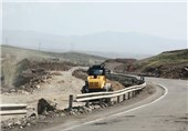 آزادراه خرمآباد- پل زال مسدود نیست