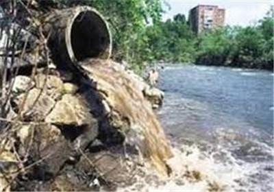 ورود فاضلاب به رودخانه