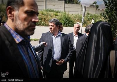 مهدی هاشمی رفسنجانی هنگام ورود به زندان اوین