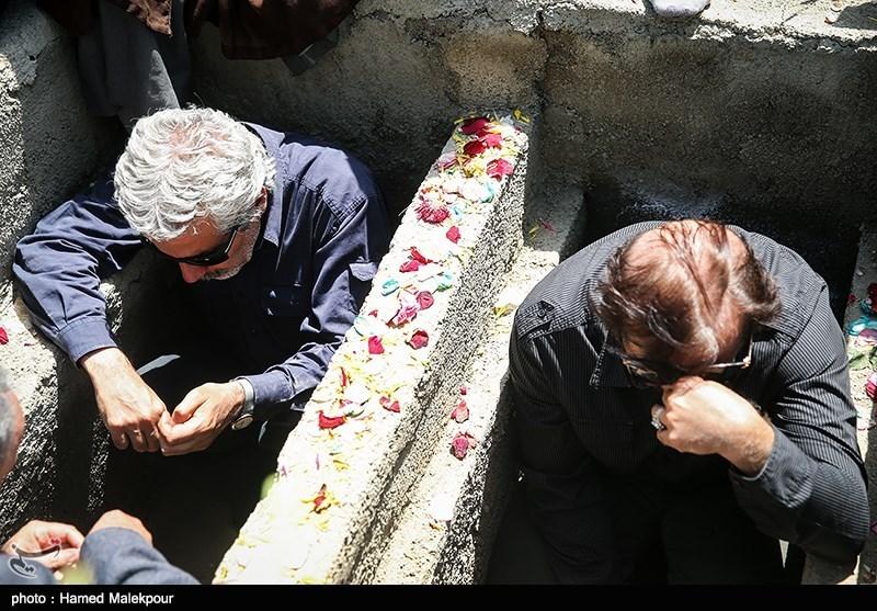 مراسم تشییع و تدفین دو شهید غواص گمنام در حوزه هنری