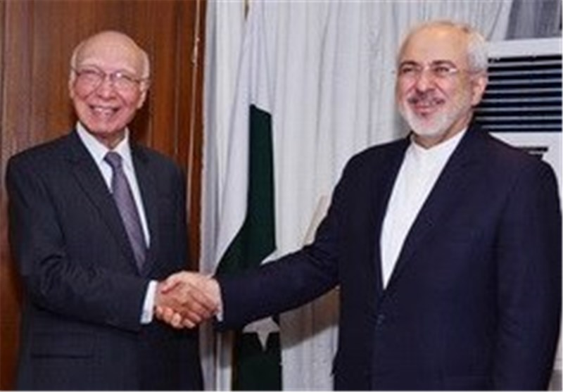 Iran, Pakistan Confer on Regional Developments