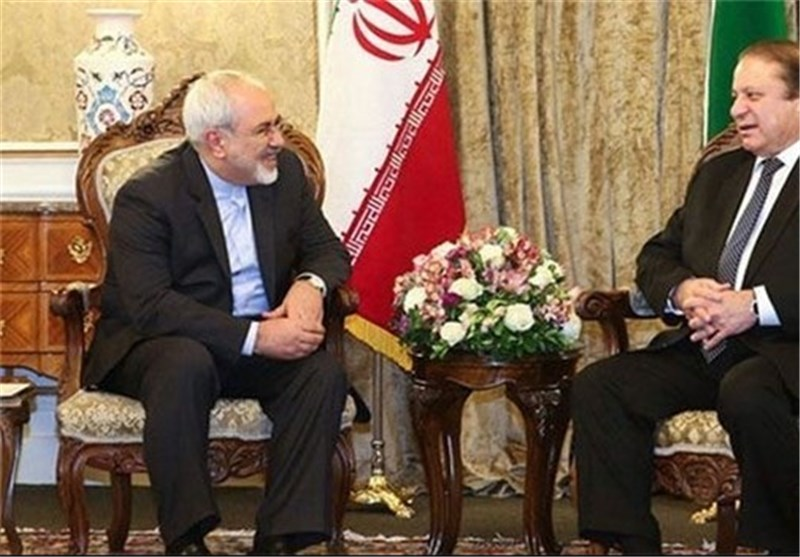 Iranian FM, Pakistan's Premier Discuss Bilateral Ties, Regional Issues