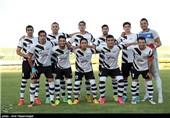 دیدار تیم های فوتبال صبای قم و گسترش فولاد