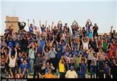 حاشیه دیدار استقلال خوزستان - پرسپولیس| درگیری شدید هواداران و حضور یگان ویژه در ورزشگاه