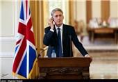 هاموند: از حملات روسیه به شرط عدم حمایت از اسد، استقبال میکنیم