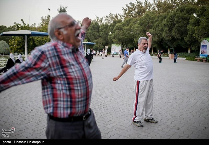 ورزش صبحگاهی در پارک لاله