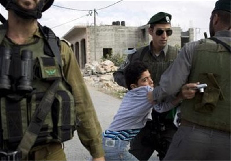 اعتقال طفل فلسطینی