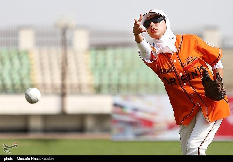 مشهد| لغو اعزامهای تیم ملی سافتبال، زحمات یکسالهام را به باد داد