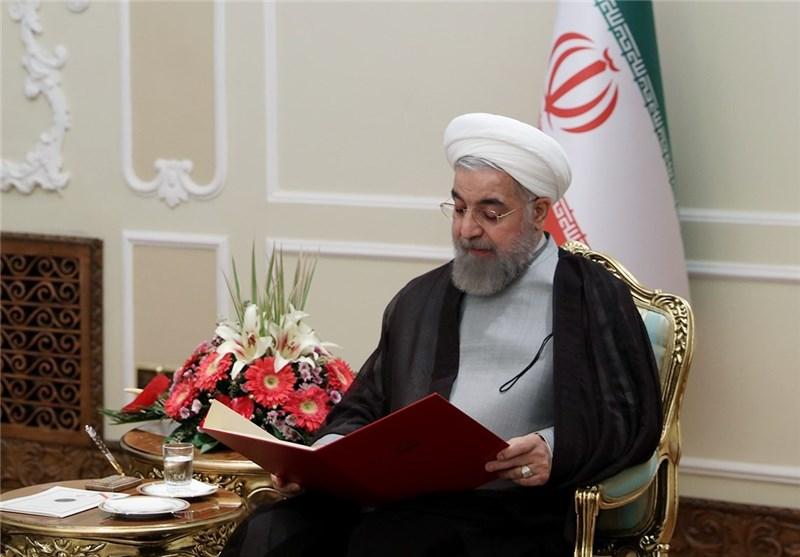 روحانی : الانتصار فی الحرب المفروضة والمفاوضات النوویة تحقق بفضل العنایة الالهیة