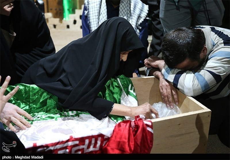 مادر سردار شهید اطلاعات و عملیات: نمیتوانم گریه کنم