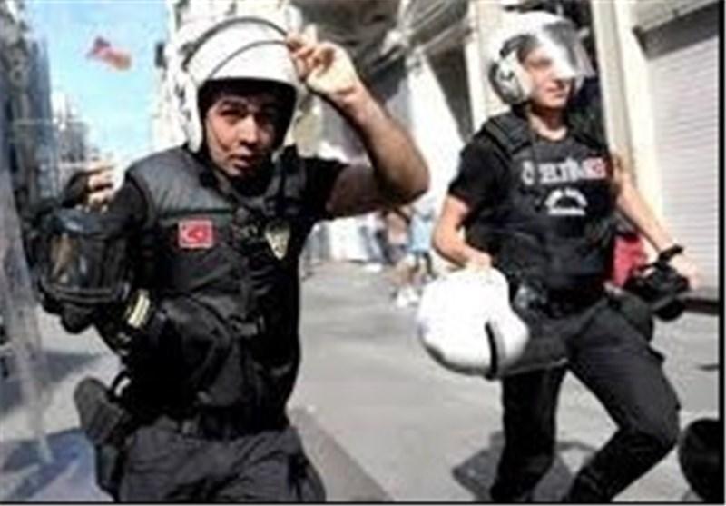 """الشرطة الترکیة تُداهم مکاتب مجموعة على صلة بـ """"غولین"""""""