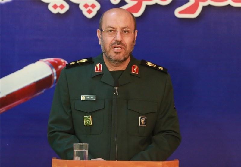 Iranian DM Congratulates Counterparts on Christmas, New Year