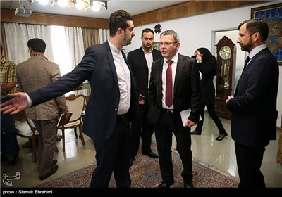 Czech FM, Trade Delegation Meet Iranian Businessmen