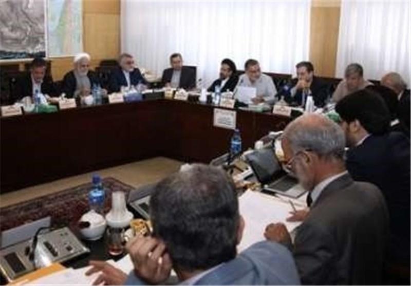 اللجنة الخاصة بدراسة خطه العمل المشترک الشاملة تجتمع بحضور عراقجی وروانجی