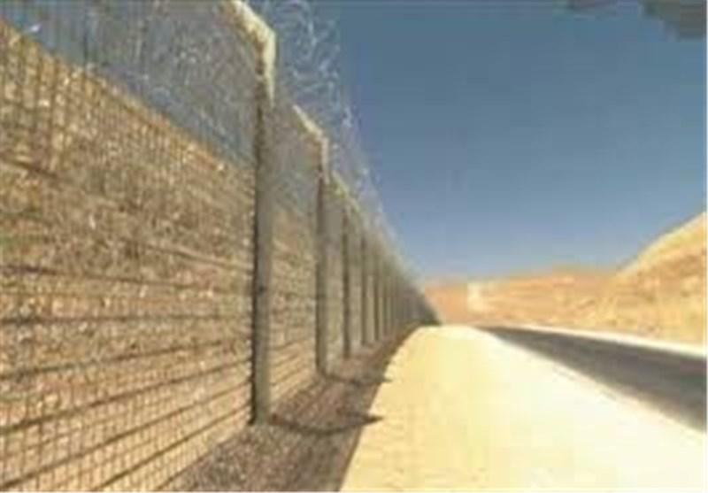 کیان الاحتلال الصهیونی یبدأ أعمال بناء الجدار مع الاردن