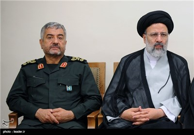 Supreme Leader Meets Iran's Virtual Space Authorities