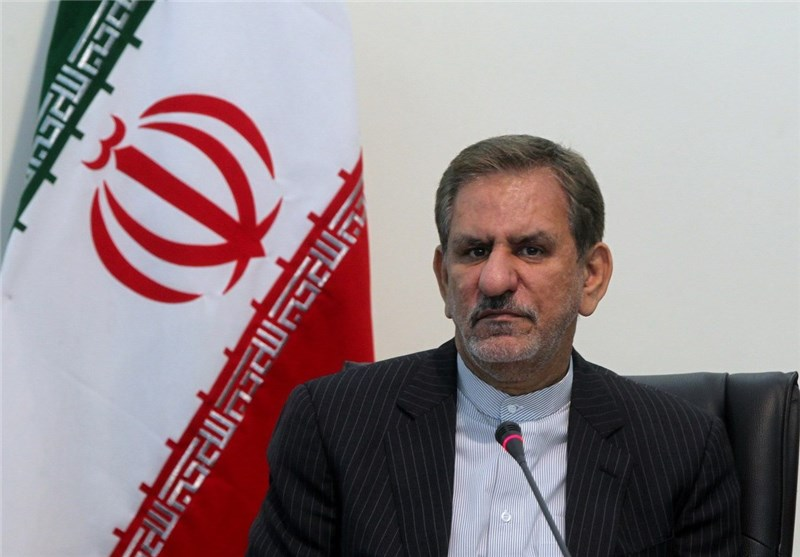 Iran's VP Seeking Ways to Stop Plummeting Oil Prices in Algeria Visit