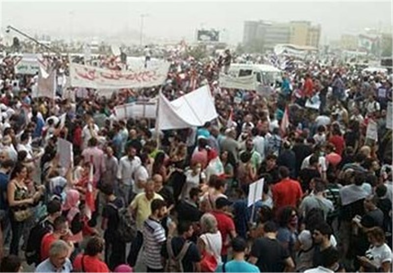 Protesters March in Beirut to Remind Gov't of Trash Crisis