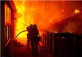خسارت مالی سنگین در حریق انبار 500 متری قوطیهای گاز و اسپری