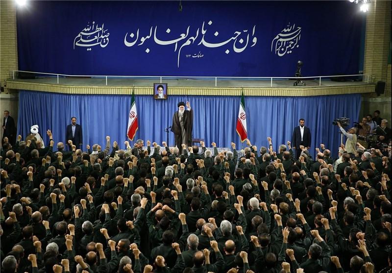 فرماندهان و کارکنان سپاه پاسداران با امام خامنهای دیدار کردند
