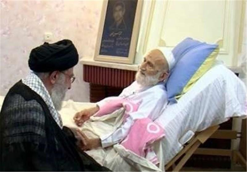 قائد الثورة الاسلامیة یعزی برحیل العالم الزاهد ایة الله خزعلی