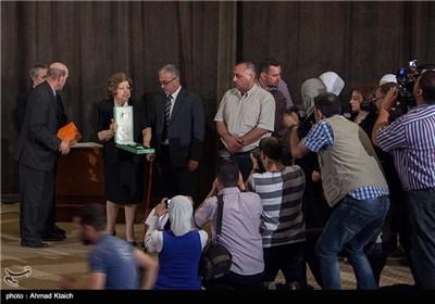 مراسم تجلیل از خانواده دانشمند خالد الاسعد با حضور معاون بشار اسد