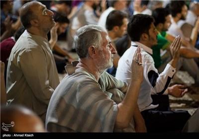 مراسم دعای کمیل در مرقد حضرت زینب در دمشق