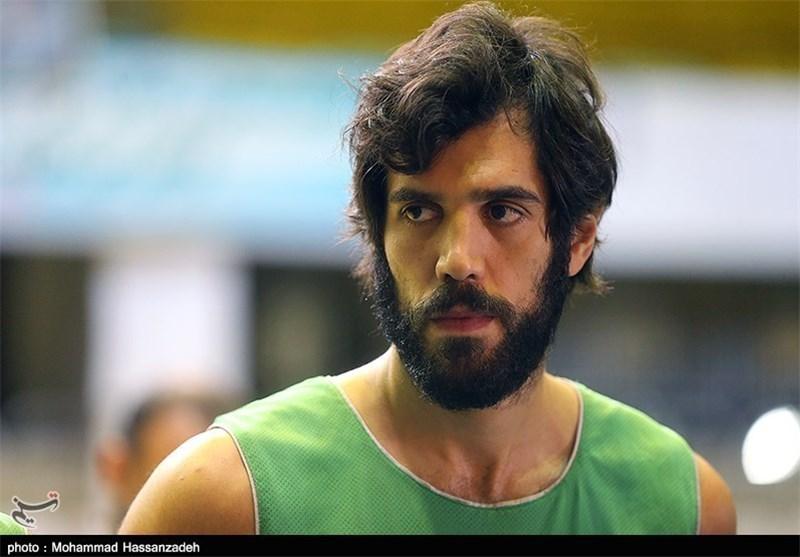 نیکخواه بهرامی: هیچ ملیپوش ایرانی پیشنهاد ندارد
