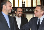 Iran, Russia Intensify Consultations on Political Solution to Syrian Crisis
