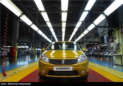 مراسم آغاز خط تولید خودروی ساندرو