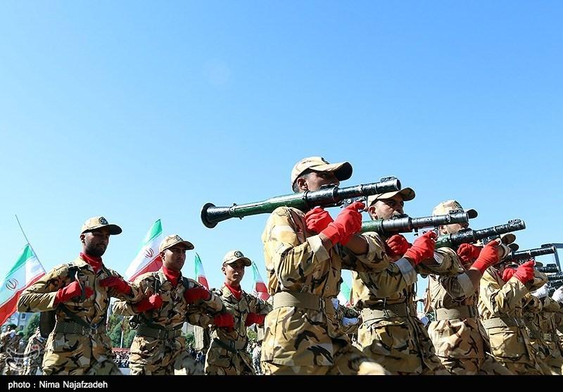 رژه بزرگ نیروهای مسلح در هفته دفاع مقدس