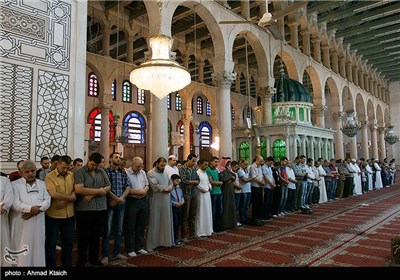اقامة صلاة عید الأضحى المبارک فی دمشق