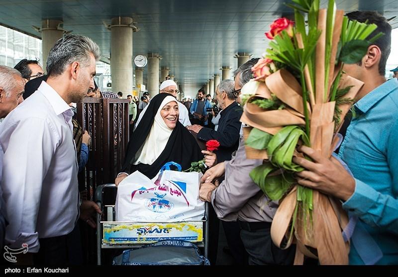 بازگشت اولین کاروان حجاج ایرانی