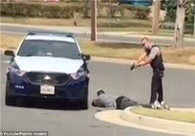 پلیس آمریکا با فروش سلاح های توقیفی به خشونت مسلحانه دامن می زند