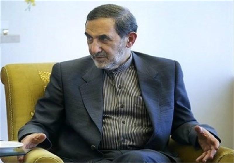 ولایتی یدعو الی تعزیز التعاون بین ایران و روسیا