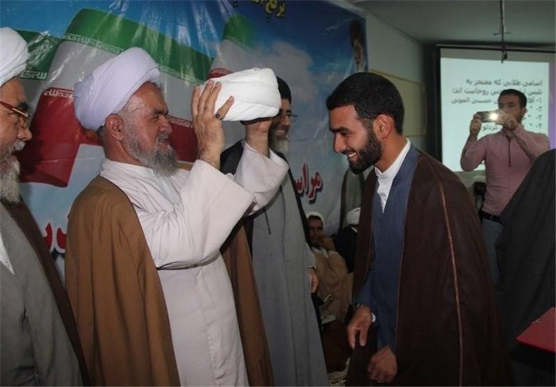 مراسم عمامهگذاری طلاب حوزه علمیه تاکستان برگزار شد