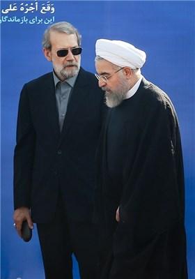 حجتالاسلام حسن روحانی رئیس جمهور و علی لاریجانی رئیس مجلس شورای اسلامی در مراسم استقبال از پیکرهای جانباختگان فاجعه منا