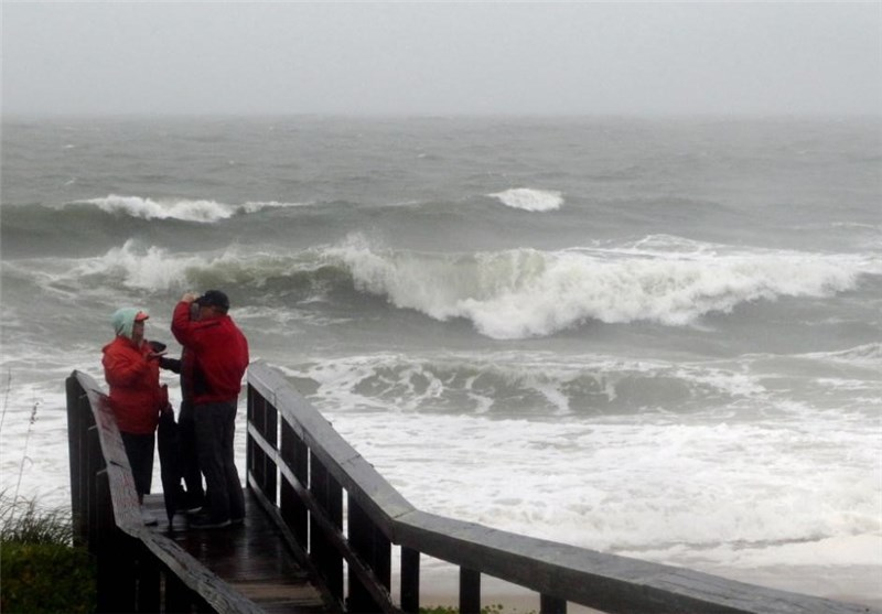 Ship with 33 People Missing in Hurricane Joaquin, US Searches Bahamas
