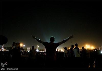 کنسرت نور در برج آزادی توسط هنرمند آلمانی