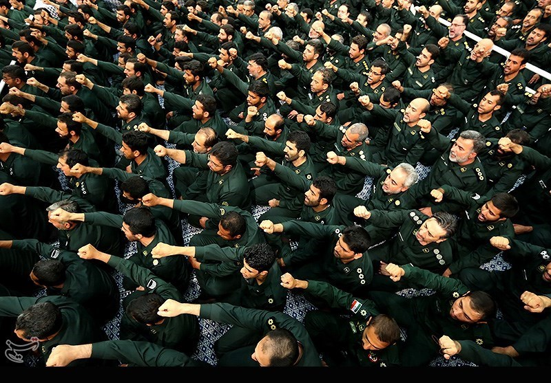 دیدار فرماندهان و کارکنان نیروی دریایی سپاه و خانوادههای آنان با مقام معظم رهبری